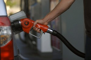 Hurricane Katrina Could Cause National Gas Crisis